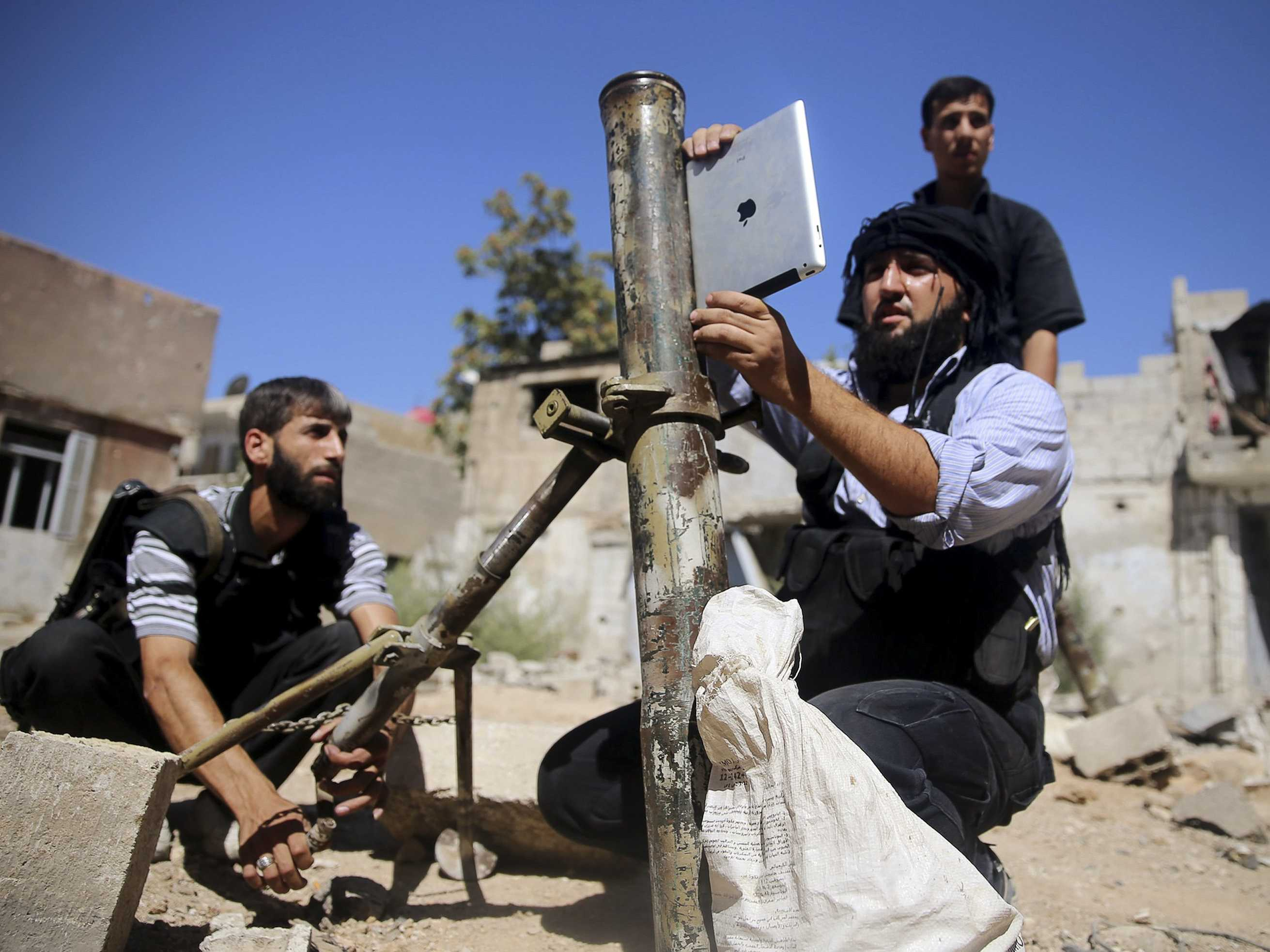 syrian-rebels-are-using-ipads-to-fire-off-mortars 1