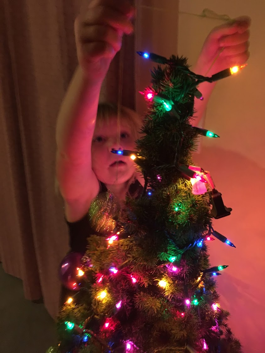 Loey at the Christmas Tree