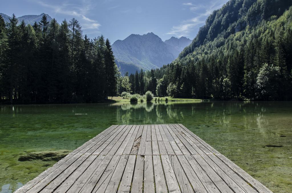 A pretty dock on a lake